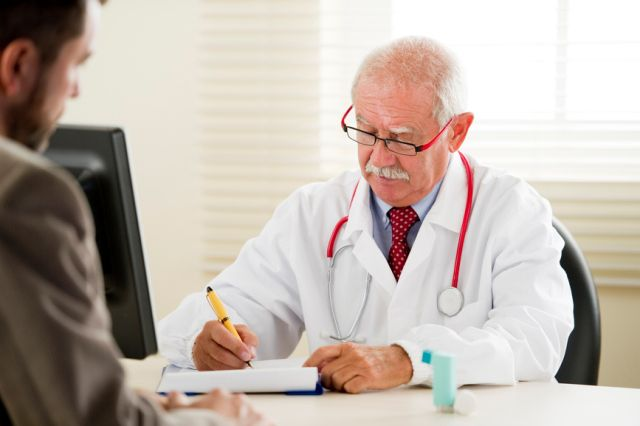 Проктолог врач даст совет