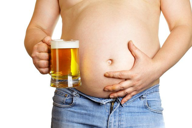 Малоподвижный образ жизни и алкоголь всегда приводят к выпадению геморроидальных узлов