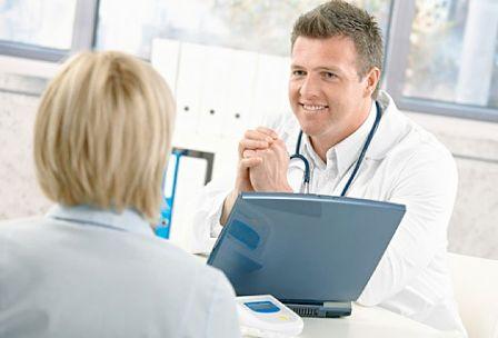 Важно рассказать врачу о всех симптомах и возможных причинах развития геморроя.